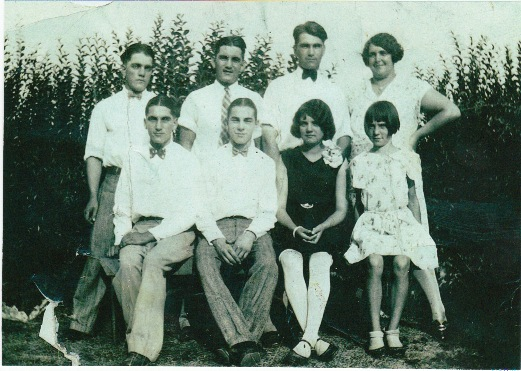 The Von Allmen children. Back row (left to right):  Frederick, Theodore Adrian, John Edward, Louise Marie. Front row:  Victor Emmanuel, Robert Alfred, Margaret Elizabeth, Lena Mae.  Photo courtesy of Angela Grant, Ancestry.com