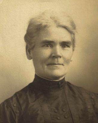 Louise (Reisenberg) Schroeder, circa 1900.